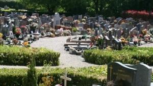 Entretien de tombes à la Toussaint – Fleurissement de tombes à la Toussaint